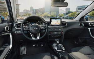 Interior del Nuevo Kia Ceed con pantalla táctil de 8 pulgadas