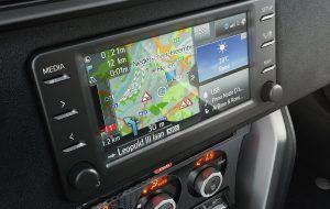Pantalla táctil con GPS del Toyota GT86