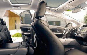 Toyota Prius+ con asientos de piel
