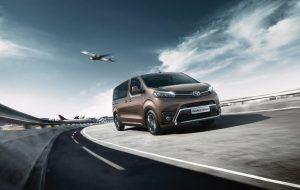 Toyota Proace Verso en carretera de A Coruña