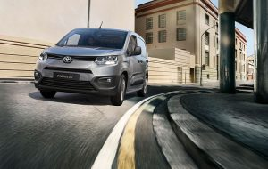 Nuevo-Toyota-Proace-City-Frontal