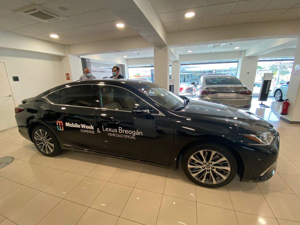El Lexus ES 300h que fue entregado como coche oficial de la Mobile Week Ourense a
